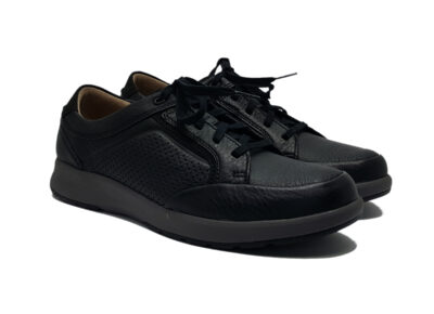 Un Trail Form2 Black Tumbled Leather